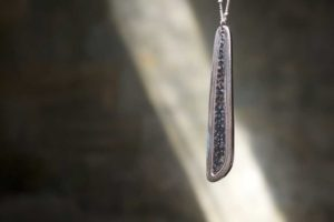Silver pendent necklace